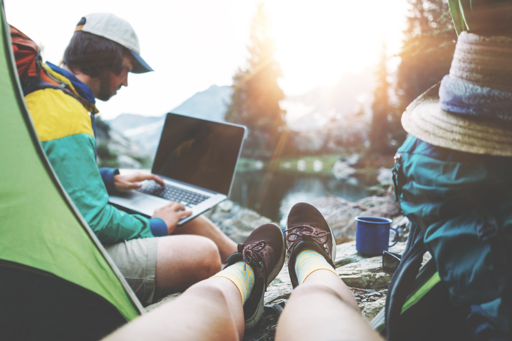 Now that the weather is warmer, it's time to live that outdoor life! Whether you're hiking the trails or just cruising your local park, Verbatim has products that support your lifestyle! #TechnologyYouCanTrust