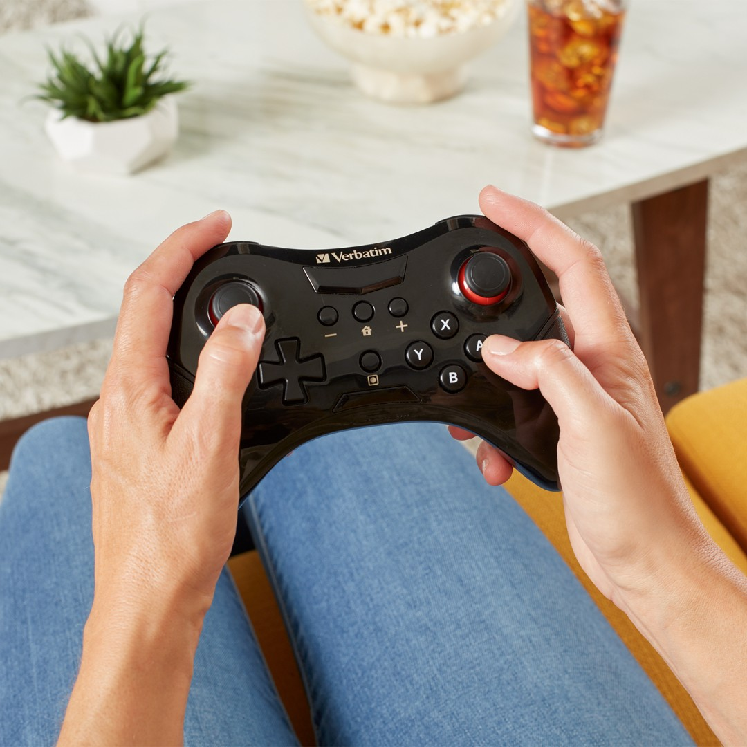 The Verbatim Wireless Controller connects wirelessly to your Nintendo Switch™ and Nintendo Switch™ Lite console and features a 2.4Ghz connection for lag-free performance.