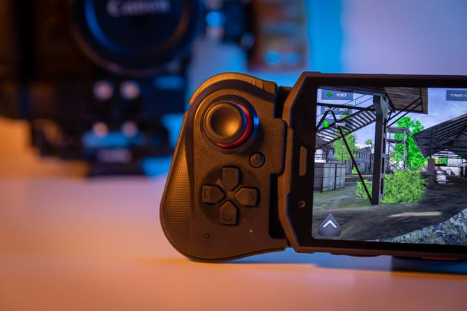 #DoogeeS70 and G1 Gamepad Are the Best Way to Play Fortnite Mobile. You can expect more on #DoogeeS90 with #Gaming Module & #HelioP60